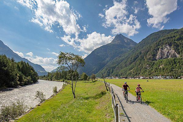Biken am Ötztal Radweg
